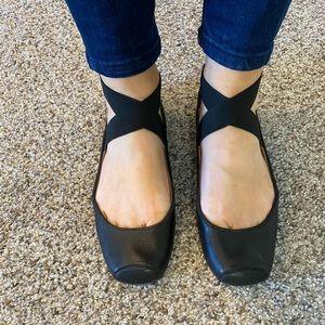 Jessica Simpson ballet flat